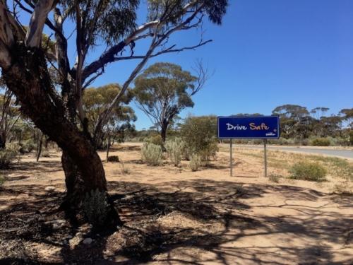 Balladonia.Travelling Family Australia