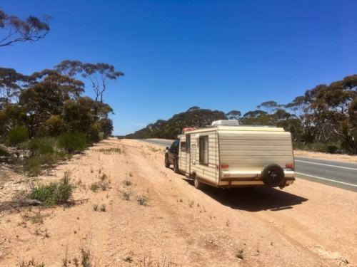 The caravan and the Nullarbor!Travelling Family Australia
