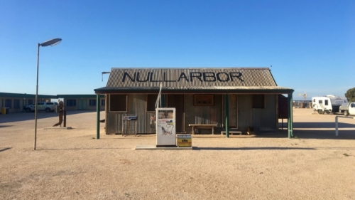 The Town of Nullarbor.Travelling Family Australia